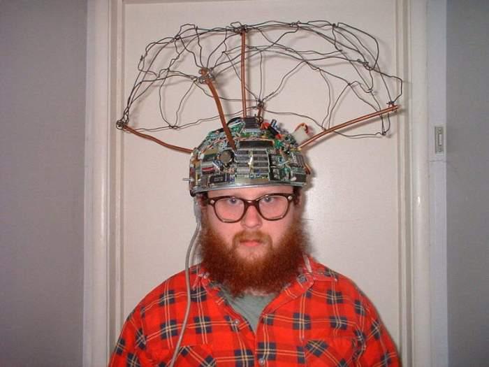 high-tech-tinfoil-hat